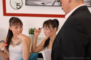 Asian Teen and Oldman Porn Pictures