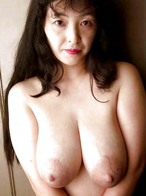 Asian Mature Tits Porn Pictures
