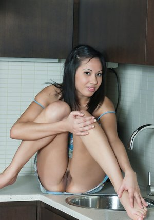 Asian Young Pussy Porn Pictures