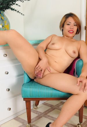 Asian Mature Pussy Porn Pictures